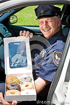 Politieman - Doos van Donuts