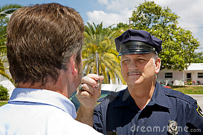 Polizeibeamte - Augen-Korrdination