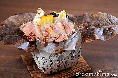 Pollo ensartado japonés