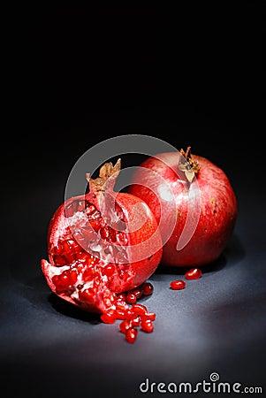 Free Pomegranate Royalty Free Stock Photo - 3562395