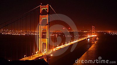 Ponte de porta dourada, San Francisco na noite