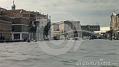 Ponte de três arcos video estoque