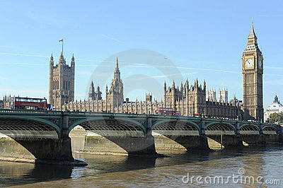 Ponte de Westminster e as casas do parlamento.