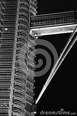 Ponticello del cielo della torre gemella di Petronas