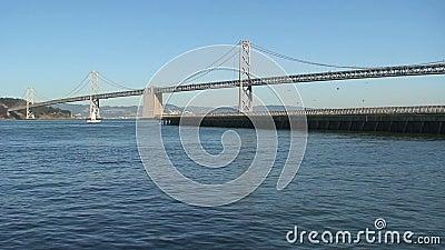 Ponticello della baia del San Francisco-Oakland alla notte archivi video