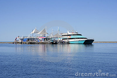 Pontoon at the Great Barrier Reef, Aus