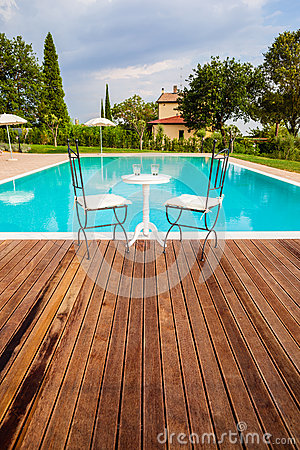 Free Pool In Tuscany Stock Photos - 32334583