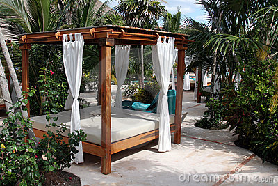 Poolside Beach Bed