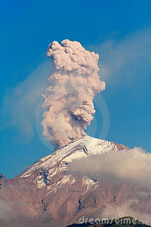 popocatepetl under eruption