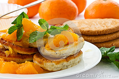 Poppy muffins with orange jam