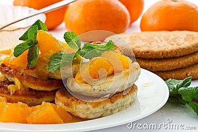 Poppy muffins with orange jam