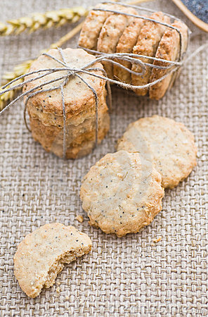 Poppy and sesame seed oat cookies