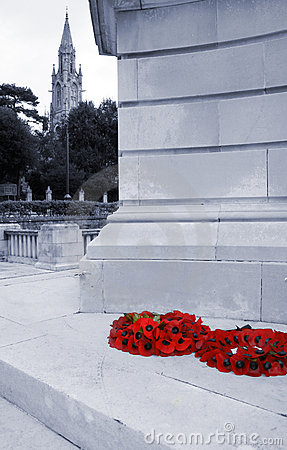 Free Poppy Wreaths On War Memorial Stock Photo - 1678170