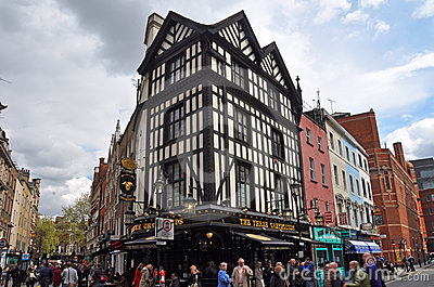 Popular English Pub in London s West End Editorial Image