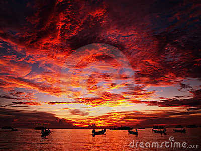 Por do sol vermelho