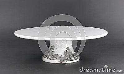 Porcelain cake stand