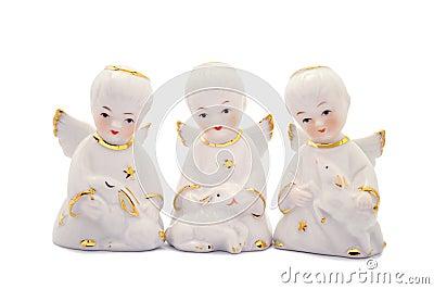 Trois anges de porcelaine