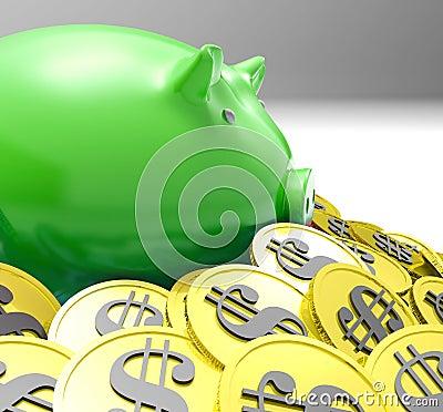 Porcellino salvadanaio circondato nelle finanze dell americano di manifestazioni delle monete