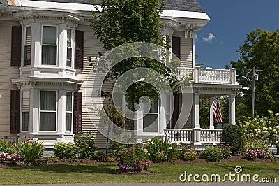 porche de maison de la nouvelle angleterre photos stock image 32800133. Black Bedroom Furniture Sets. Home Design Ideas