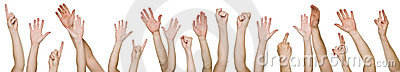 Porciones de manos levantadas