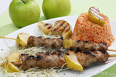 Pork grilled with apples