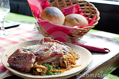 Pork ribs and pickled cabbage - Romanian recipe
