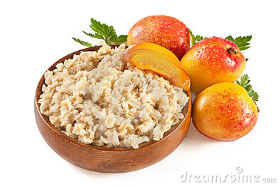Porridge with fresh peach