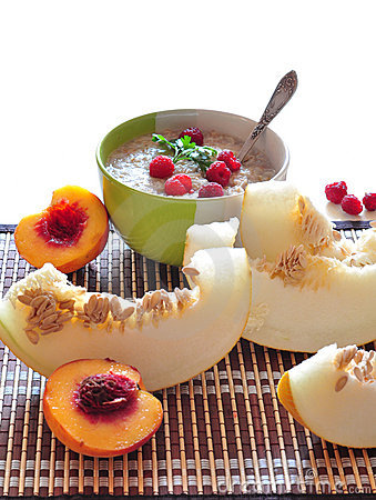Porridge of oat-flakes with berries and fruit
