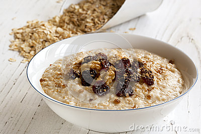Porridge with Walnuts and Raisins