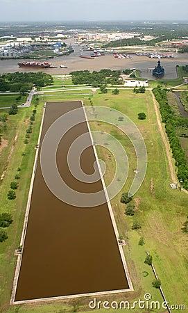 Free Port Houston - Battleship - Reflecting Pond Stock Photography - 9315572