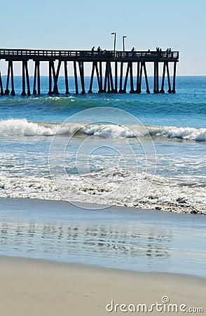 Port hueneme pier royalty free stock photos image 36801938 for Ventura pier fishing