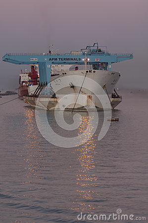 Free PORT SAID/EGYPT 02nd JANUARY 2007 - The Heavy Load Carrier Zhen Royalty Free Stock Photography - 55327087