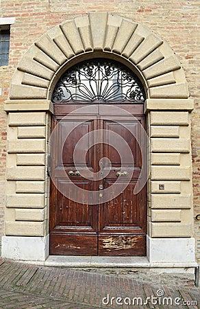 Porta da rua italiana