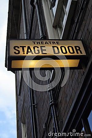 Porta de estágio do teatro