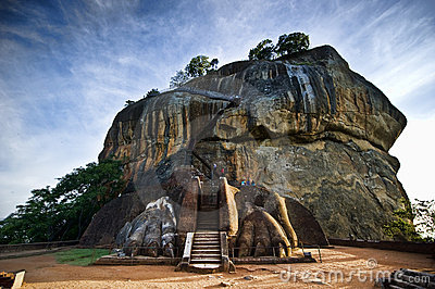 Porta do leão na rocha de Sigiriya