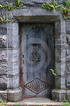 Porta do mausoléu
