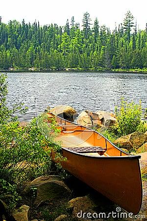 Free Portage Ready Canoe Royalty Free Stock Image - 3547116