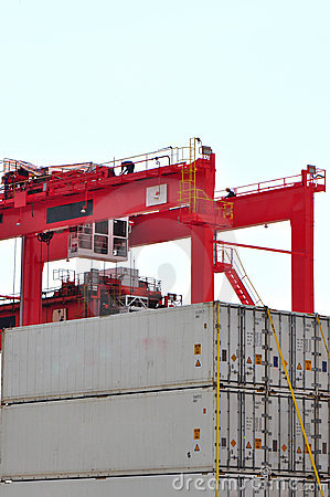 Portal jib crane and cargo containers