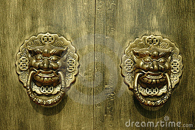 Porte de dragon ou de lion