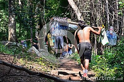 Porter on Phu Kradueng trail Editorial Image