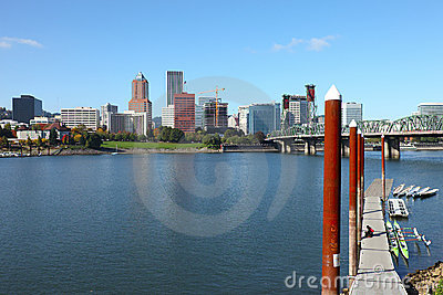 Portland Oregon skyline & bridge.