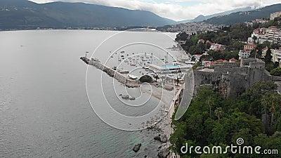 Porto Montenegro Yachten im Seehafen von Tivat-Stadt Kotor-Bucht, adriatisches Meer Ber?hmte Reisen-Zieleinheit stock video footage