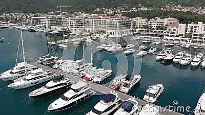 Porto Montenegro Yachten im Seehafen von Tivat-Stadt Kotor-Bucht, adriatisches Meer Ber?hmte Reisen-Zieleinheit stock video