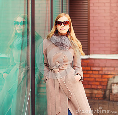 Free Portrait Beautiful Elegant Blonde Woman Wearing Coat Jacket And Sunglasses In City Royalty Free Stock Images - 81937679