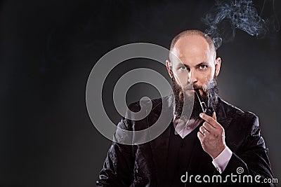 portrait de costume d mod de port d 39 homme barbu chauve photo stock image 51823802. Black Bedroom Furniture Sets. Home Design Ideas