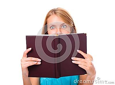 Portrait der jungen Frau überrascht