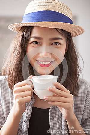 Free Portrait Head Shot Of Beautiful Younger Asian Woman And Hot Coff Royalty Free Stock Photos - 104028058