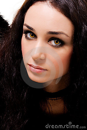 Portrait of a lovely brunette with magnetic eyes