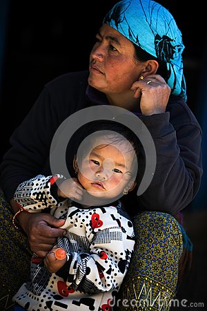 Free Portrait Nepalese Mother And Child Royalty Free Stock Images - 108682419