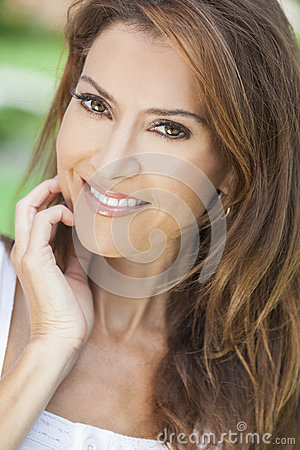 Free Portrait Of A Beautiful Middle Aged Woman Royalty Free Stock Image - 28145876